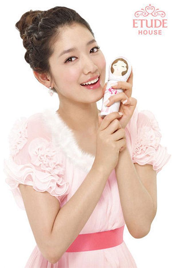 Park Shin Hye Etude House nagykövet