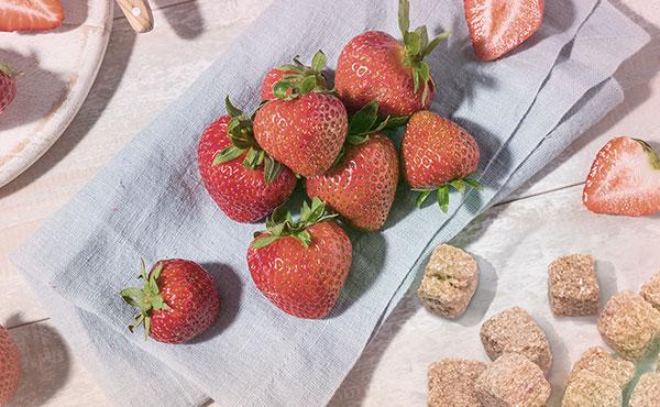 Skinfood Strawberry Sugar Food Mask fő összetevői
